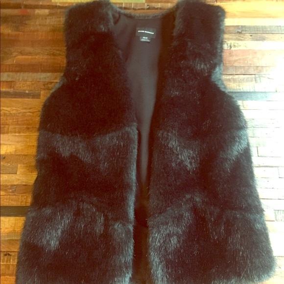 Club Monaco Jackets & Blazers - Dark Green Faux Fur Club Monaco Vest